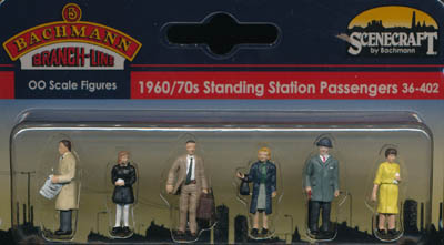Bachmann 1960/70s Standing Station Passengers box
